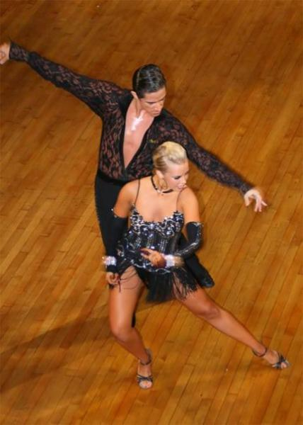 Felipe Gonzales dancing with Chelsie Hightower